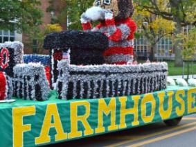 FarmHouse Homecoming float